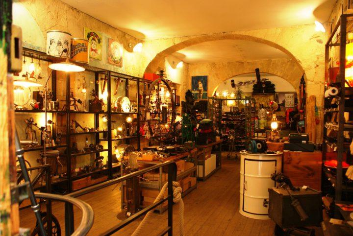 Intérieur de la boutique w.a.n. à Bordeaux